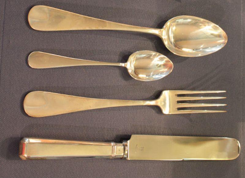Чистить столовое серебро в домашних условиях 906