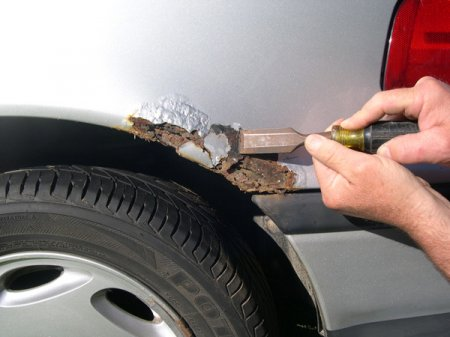 удаление ржавчины на кузове автомобиля