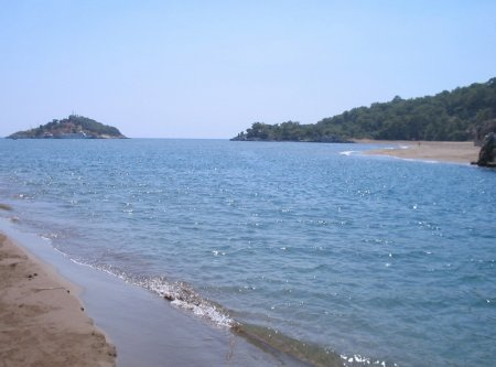 Пляж Изтузу