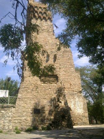 башня Константина генуэзской крепости