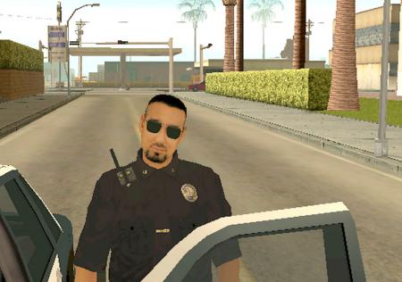показать удостоверение полицейскому в самп