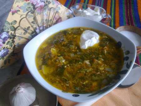 суп щавелевый с яйцом на мясном бульоне