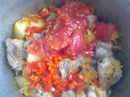картофель и томаты в лагмане