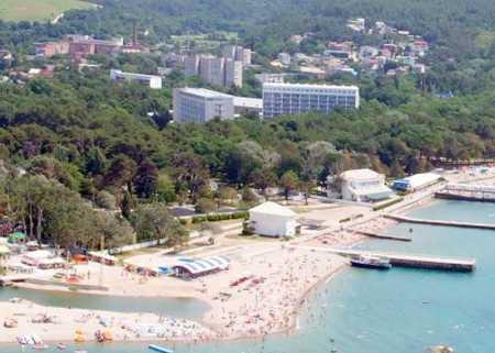 Дивноморское пляжи и пансионаты