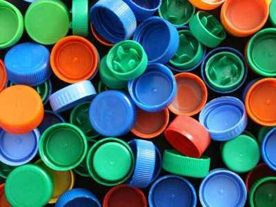 для чего собирают крышки от пластиковых бутылок